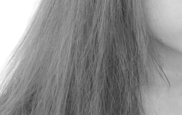 乾燥毛を修復したいならキューティクルと普段のヘアケアを見直す